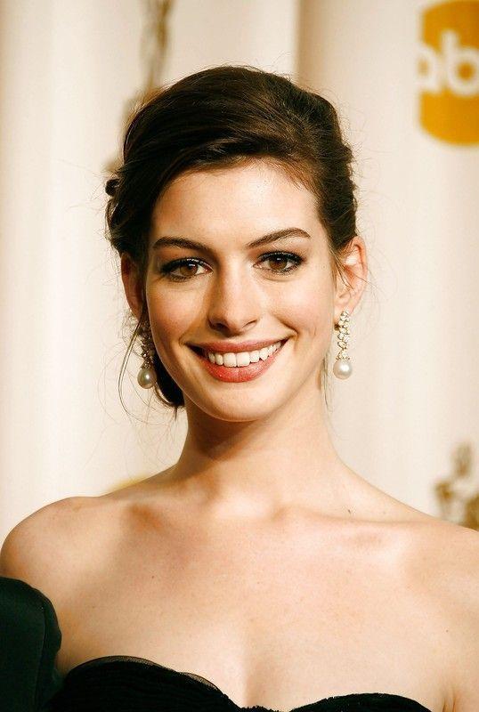 7 Merveilles de la nuit - Anne Hathaway