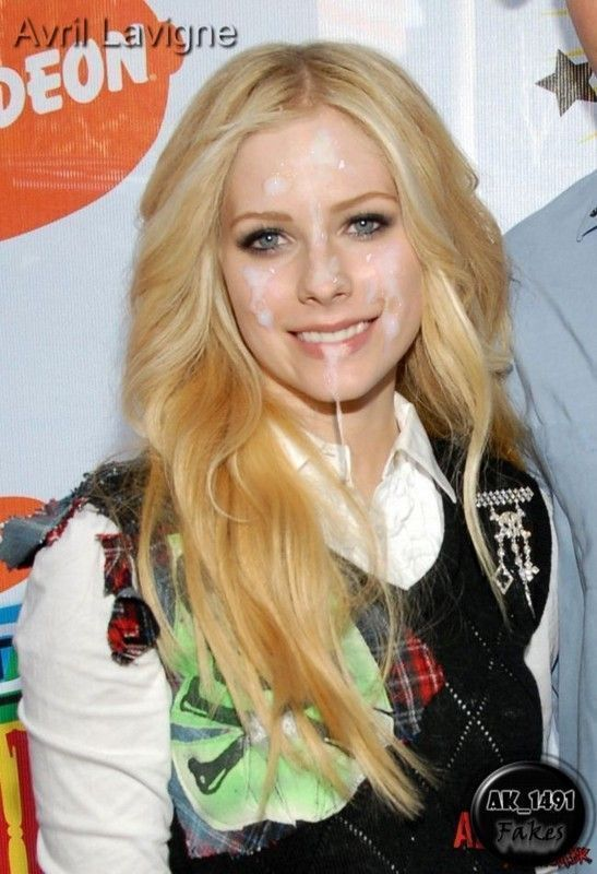 Fake pictures of avril lavigne blowjob