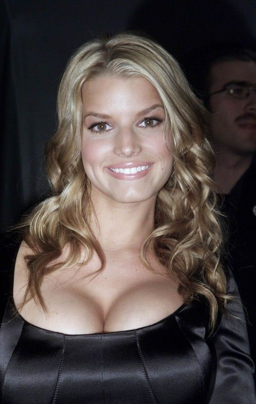 Jessica Simson gros seins
