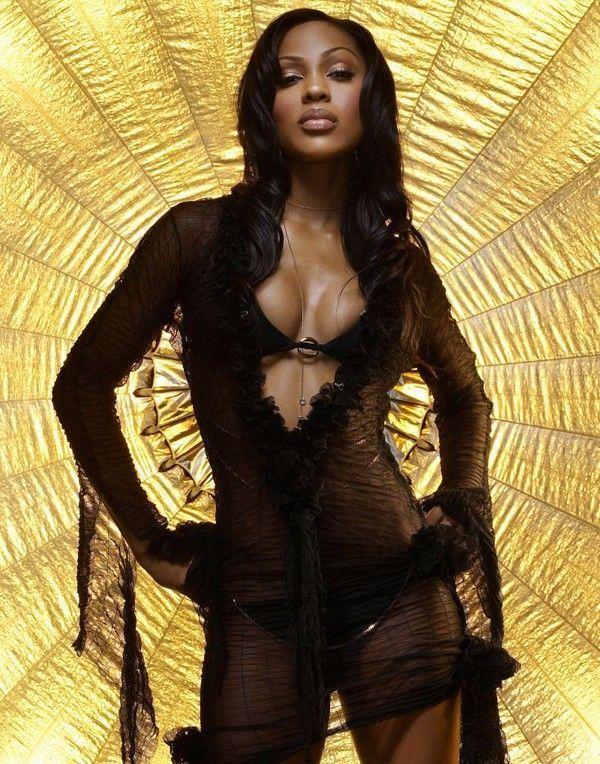 Top latina nude model