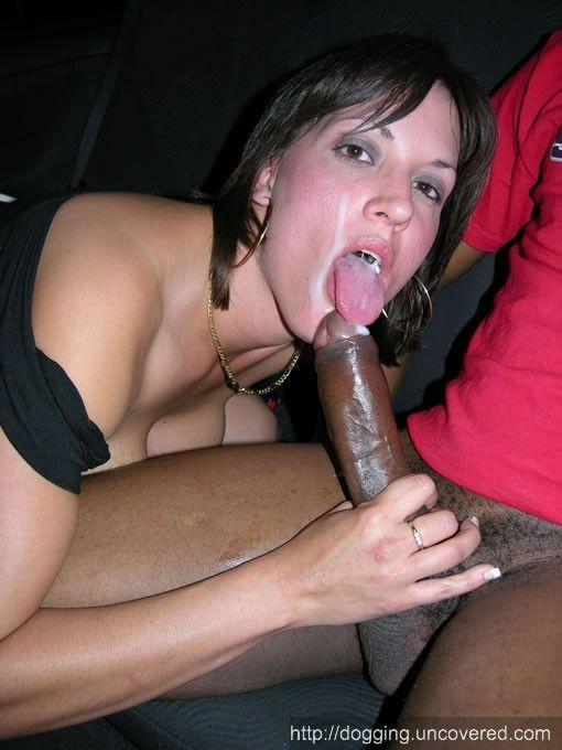 brune qui baise femmes suceuses