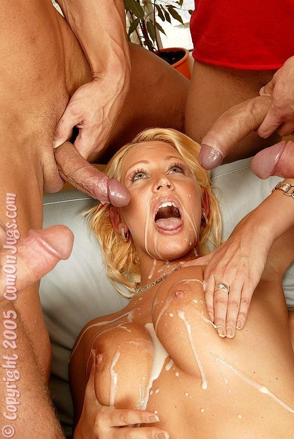 Фото секс с тремя красивыми блондинками и негра повече тази