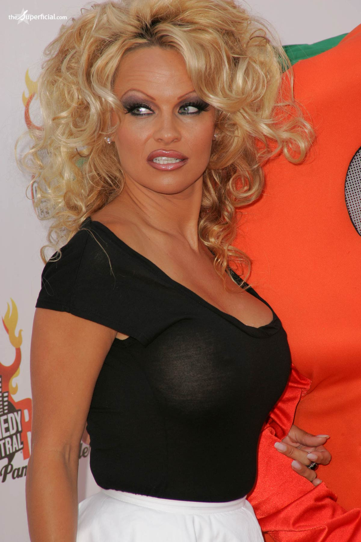 pamela anderson borat - photo #31