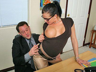 ma copine est une salope secretaire nue